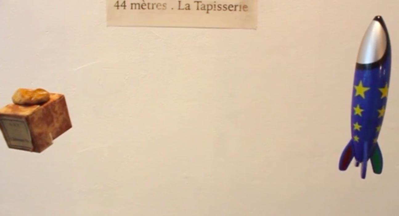 L'altitude d'Albertine (le petit caillou sur une boite) et celle de Julien (la fusée)