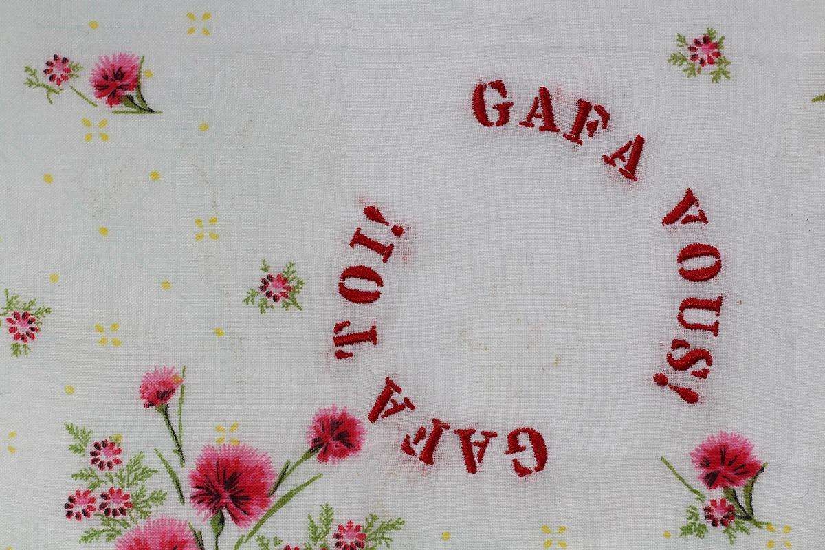 Series GAFA TOI! // Handkerchief Pétillant GAFA TOI! GAFA VOUS!  (zoom) // Blockchain ID : 1NGrn1PWt4MYeZmBvEokubQTvhew3C25y4